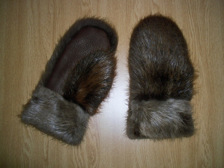 Large Beaver Fur Amp Leather Palm Mittens